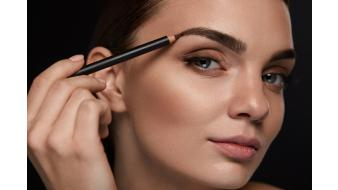 How to apply Make-up easily and quickly
