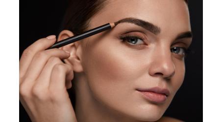 Hoe make-up snel en gemakkelijk aanbrengen?